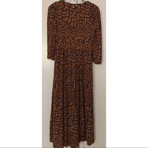 Zara Dresses - Zara Leo Dress 🐯 worn once ! Sz XS